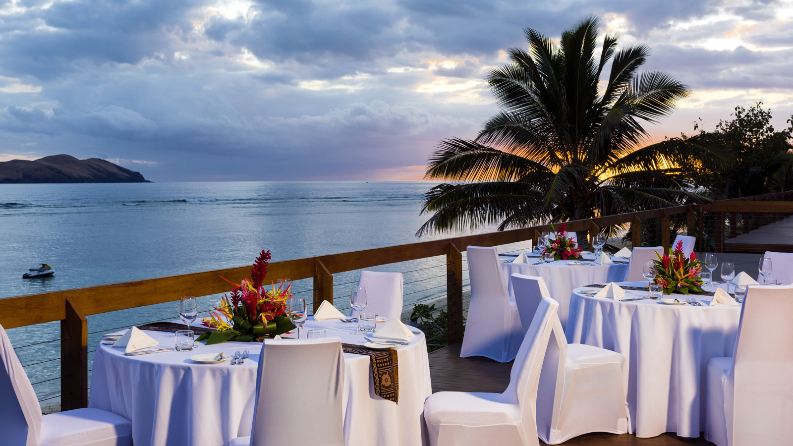 Sheraton Resort & Spa Tokoriki Island - Sunset Reception